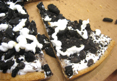 Ants In My Car >> Oreo (Pizza) Pie - you are just too much. - Natty Bumpercar